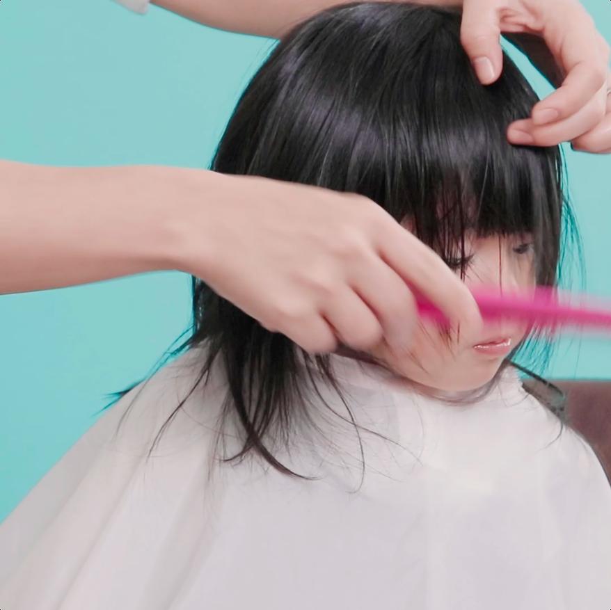 bce1fd272da21b おうちで簡単♪【女の子向け】前髪ラウンドカットの切り方   mama+ ...